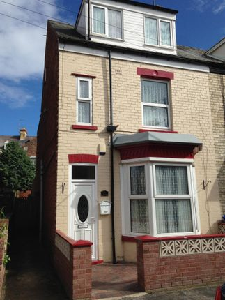 Thumbnail Semi-detached house to rent in Holyrood Avenue, Bridlington
