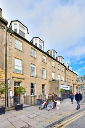 Office to let in George Street, New Town, Edinburgh