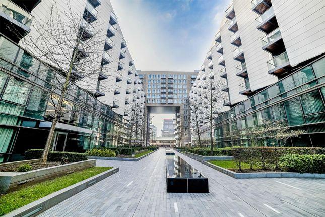 Thumbnail Flat for sale in 3 Baltimore Wharf, Canary Wharf, London