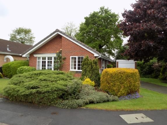 Thumbnail Bungalow for sale in Kensington Drive, Sutton Coldfield, West Midlands, .