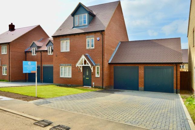 Thumbnail Detached house for sale in Wallace Green Way, Walkern