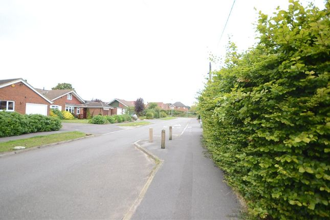 Road View of Oatlands Road, Shinfield, Reading RG2
