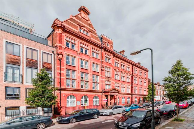 Thumbnail Flat for sale in Glengall Road, London