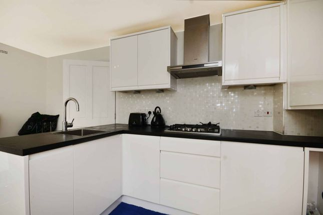 Thumbnail Flat to rent in Kingston Hill, Kingston Hill, Kingston Upon Thames