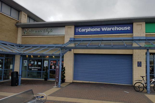 Retail premises to let in Bradford Victoria, Girlington
