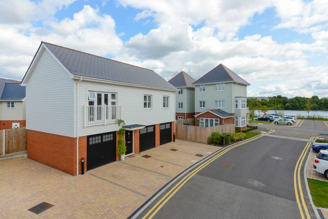 Thumbnail Flat for sale in Ashfield Close, Snodland
