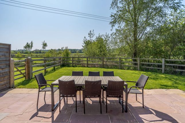 Terrace of Andersey Farm, Grove Park Drive, Wantage, Oxfordshire OX12