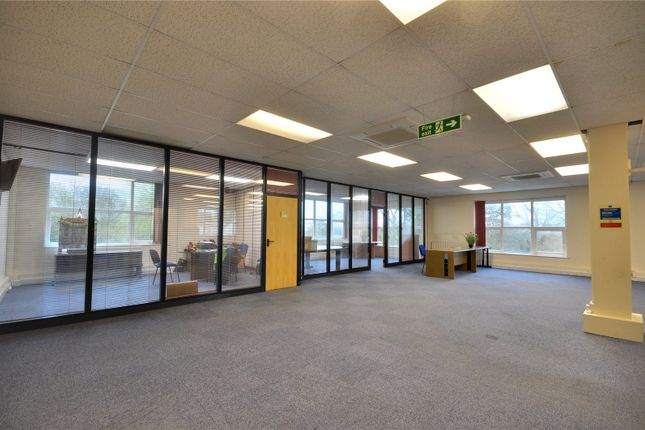 Thumbnail Office to let in Unit 16, Chiltern Business Village, Arundel Road, Uxbridge
