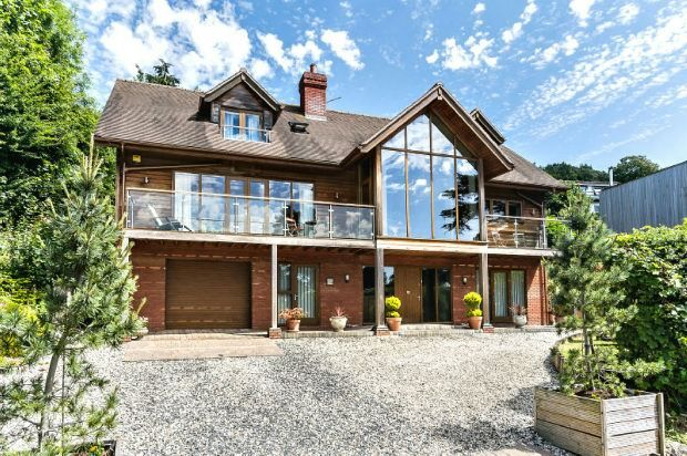 Thumbnail Detached house for sale in De Walden Road, Malvern