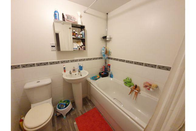 Bathroom of Head Weir Road, Cullompton EX15