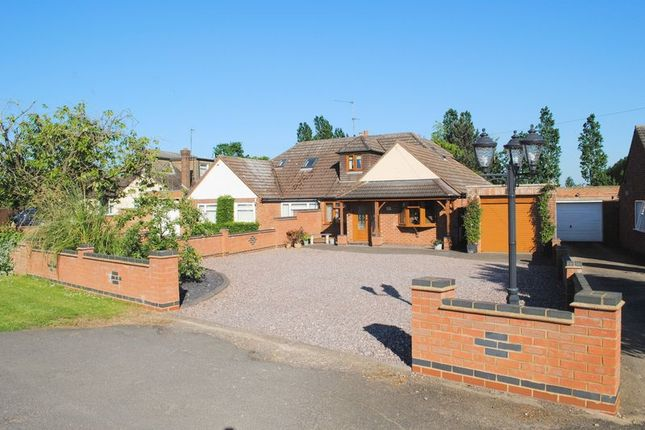 Thumbnail Semi-detached bungalow for sale in Avenue Road, Rushden