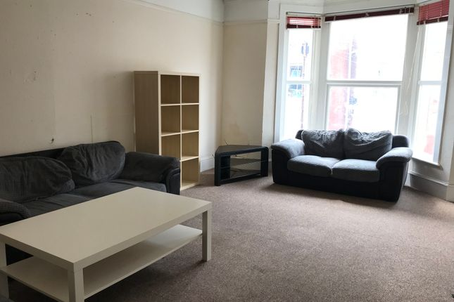 Thumbnail Shared accommodation to rent in Ashburton Road, Southsea