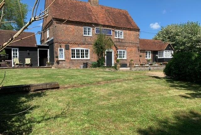 Thumbnail Commercial property for sale in King William IV, Hampden Road, Speen, Princes Risborough