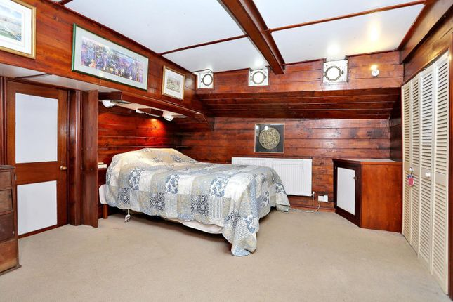 Bedroom of Albion Quay, Lombard Road SW11