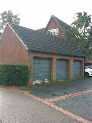 Commercial property to let in Garage 2, Waldegrave, Bowthorpe