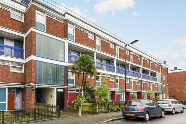 Thumbnail Flat for sale in Latona Road, London