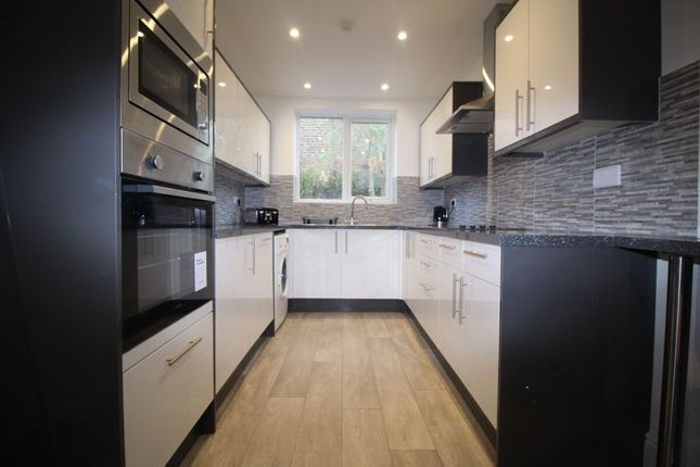 Thumbnail Property to rent in Lawson Road, Southsea