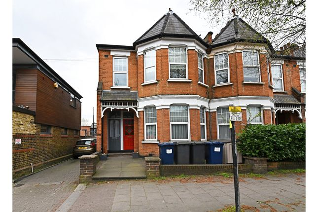 Thumbnail Maisonette for sale in East End Road, East Finchley