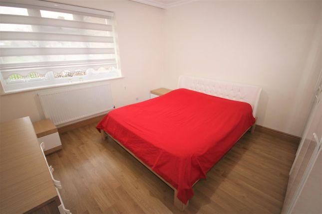 Bedroom 1: of Norfolk Close, Cockfosters, Barnet EN4