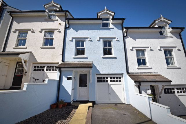3 bed property for sale in Gellings Avenue, Port St. Mary, Isle Of Man IM9