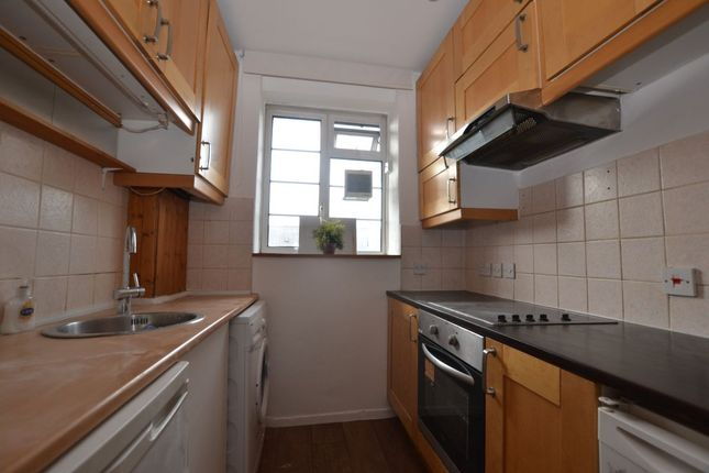 Thumbnail Flat to rent in Murphy Street, London