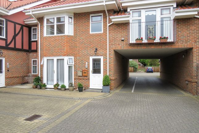 Thumbnail Flat for sale in Sutherland Court Gardens, Cromer