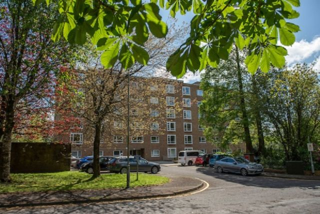 Thumbnail Flat to rent in Harford Court, Sketty Green, Swansea.