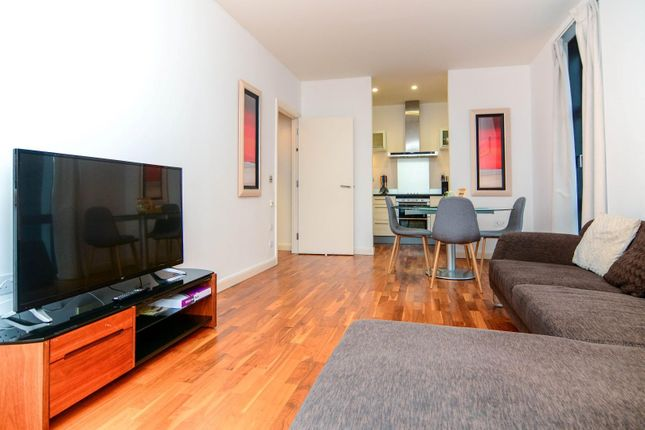 Thumbnail Flat to rent in Marsh Wall, London