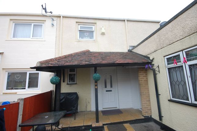 Thumbnail End terrace house for sale in Oldwyk, Basildon, Essex
