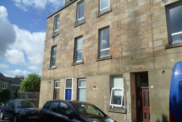 Thumbnail Flat to rent in Kilmailing Road, Cathcart