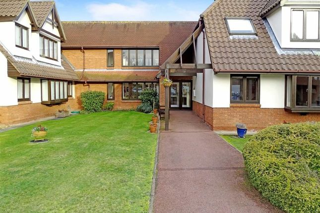 Thumbnail Flat for sale in Palmerston Lodge, Chelmsford, Essex