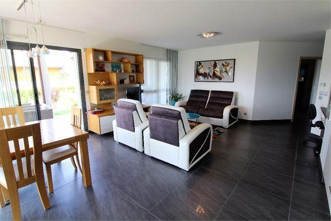 Thumbnail Apartment for sale in Rhône-Alpes, Haute-Savoie, Annecy Le Vieux