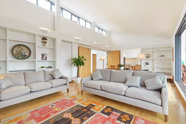 Thumbnail Flat to rent in North Mews, London