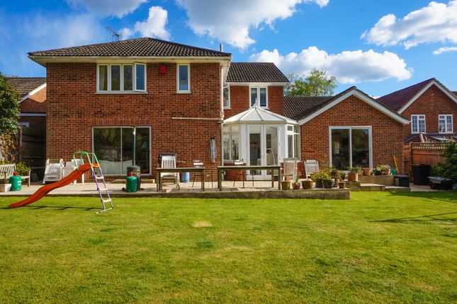 Thumbnail Detached house for sale in Pondfield Road, Kenley