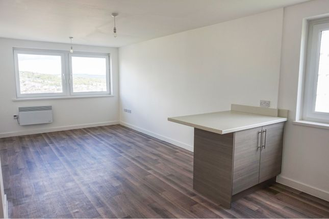 Lounge / Kitchen of Parkwood Rise, Keighley BD21