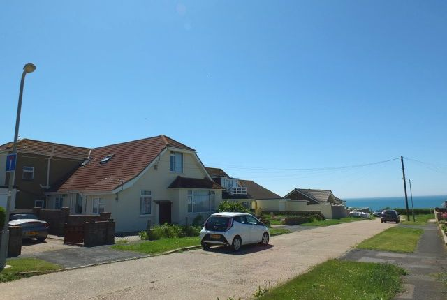 Thumbnail Flat to rent in Seaview Avenue, Peacehaven