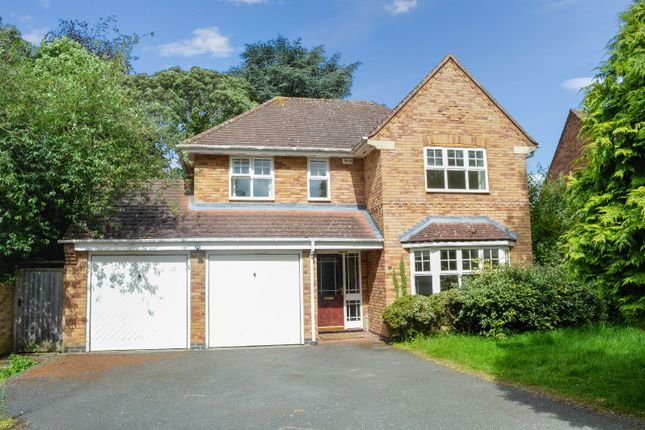 Thumbnail Detached house for sale in Meadowcourt Road, Oadby, Leicester