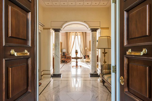 5 bed apartment for sale in Napoli, Napoli, Italy