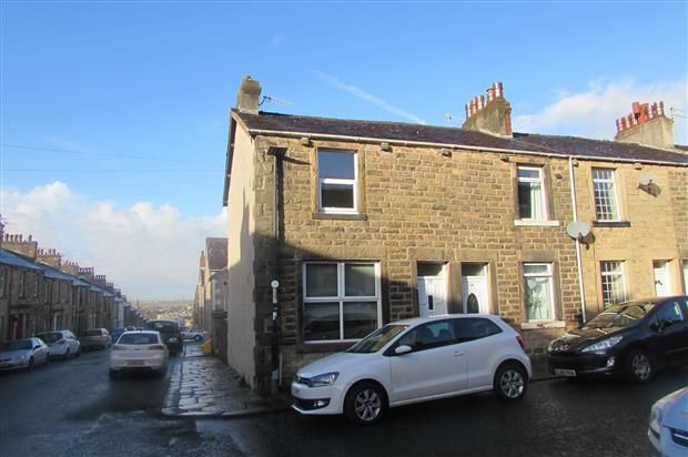 2 bed property to rent in Perth Street, Lancaster