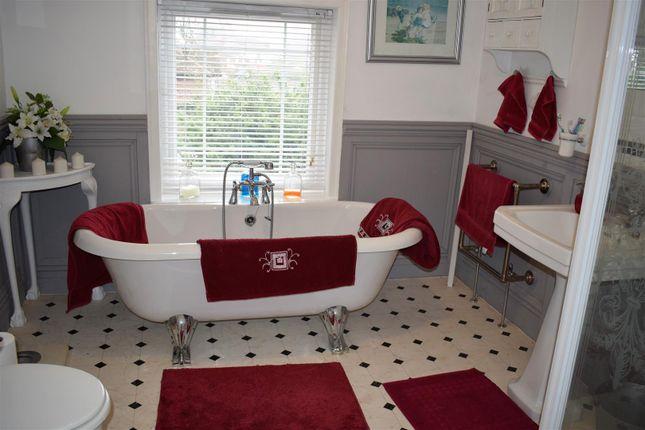 Bathroom of Gainsborough Road, Middle Rasen, Market Rasen LN8