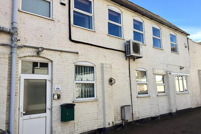Commercial property for sale in 3 Phoenix House, Higham Road, Chesham, Buckinghamshire