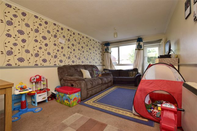 Living Space of Chiltern Close, Warmley, Bristol BS30