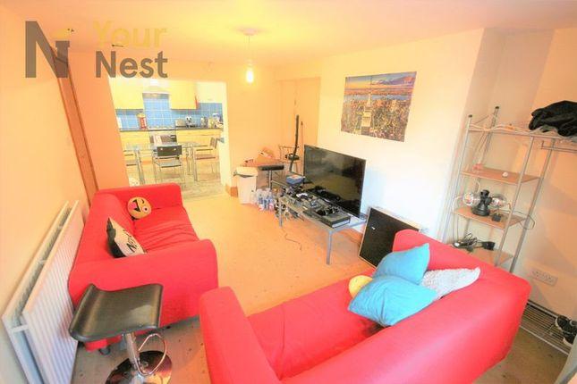 Thumbnail Flat to rent in Kirkstall Lane, Headingley