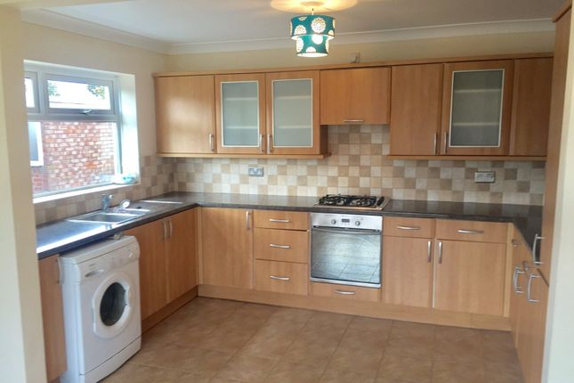 Thumbnail Property to rent in Manor Grove, Danygraig, Porthcawl
