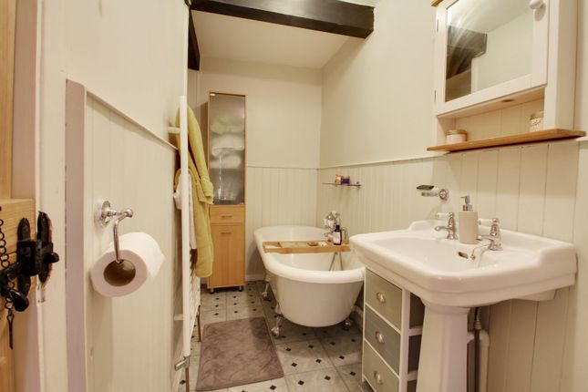 Bathroom of Newtown Road, Raunds, Wellingborough NN9