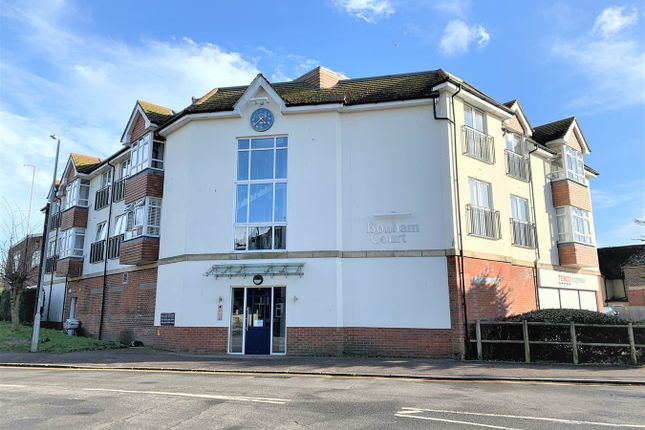 Thumbnail Flat to rent in Cooden Sea Road, Little Common, Bexhill
