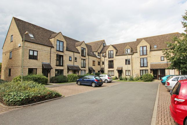 Flat for sale in Beechgate, Witney, Oxfordshire