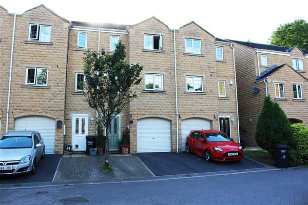 Thumbnail Town house for sale in Rosevale View, Sowerby Bridge