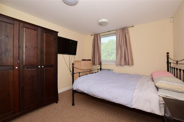 2 bed flat for sale in Oakhill Road, Sutton, Surrey