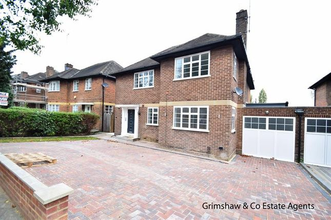 4 bed flat for sale in The Ridings, Haymills Estate, Ealing W5